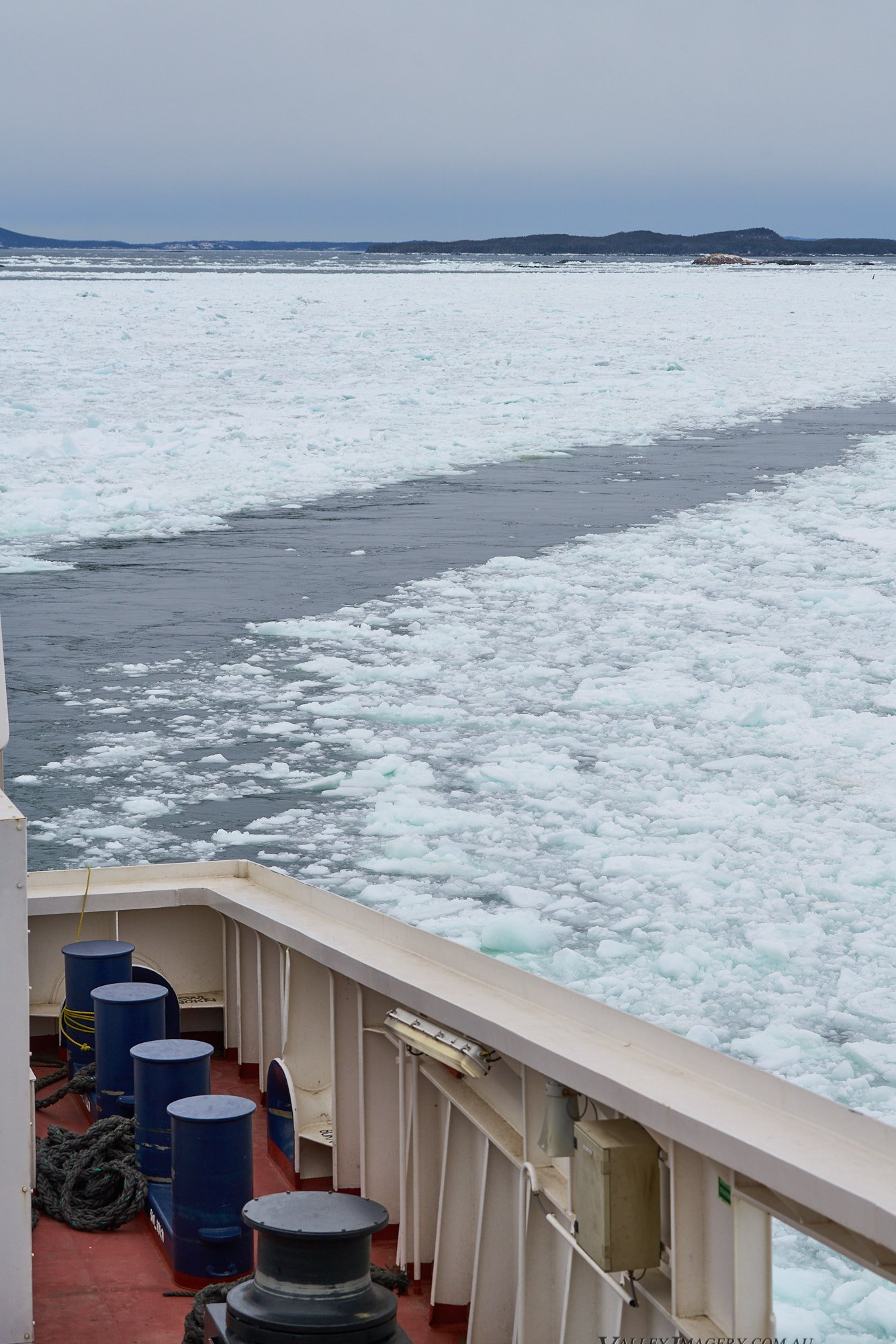 Ferry Pack ice Fogo